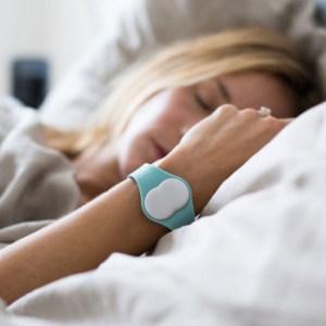Ava Armband nachts
